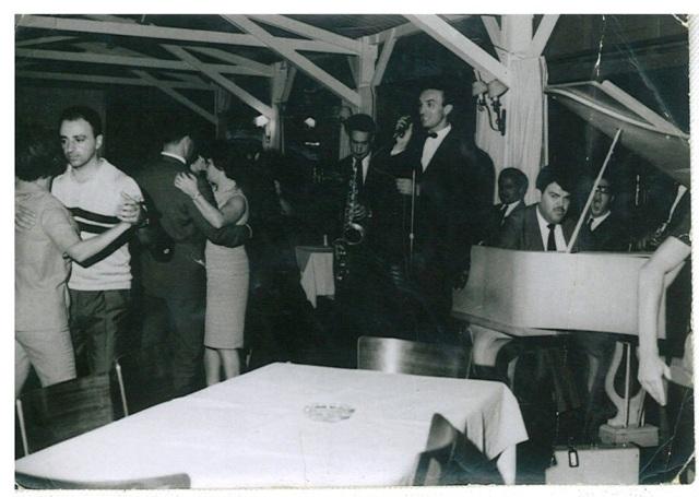 Olha ai o Beppi em 1968, no Santa Mônica, com o Fernandão ao piano.